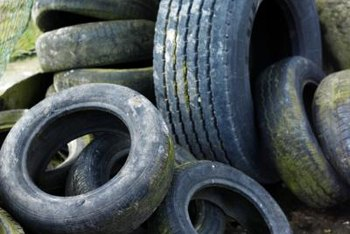 Old tires are the ideal raw material for individual raised bed gardens.
