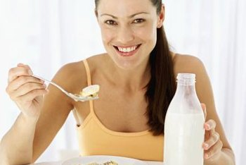 Skim milk is fat free and may be an ideal choice for those wanting to lose weight.