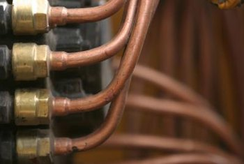 Copper pipes can be bent when a soldered connection is not possible.
