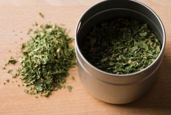 The rosmarinic acid found in oil of oregano might act as a potent antioxidant.