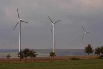 Wind turbines produce electricity in areas as different as rural farms, cities and the sea.