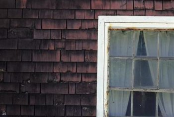 recycle old window frames to create rustic themed decor projects