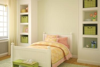 bedroom feng shui design. even in a small bedroom you should have ample space around the bed feng shui design y