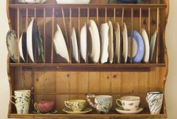 Make a dowled plate rack for display.