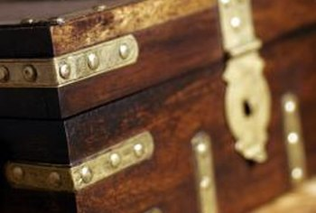 An old vintage trunk makes an excellent table solution for traditional and modern home decor alike.