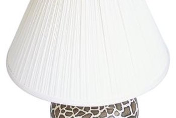 Give that old lampshade a new look with pleats.