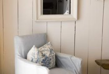 A single rustic frame complements a shabby chic design.