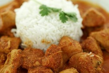 Homemade Indian curry chicken utilizes a number of low-sodium spices.