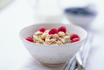 Choose cereals low in calories, sugars and unhealthy fats.