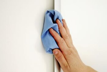 Can you use dish soap and water to clean walls home guides sf gate for Bathroom wall cleaning products