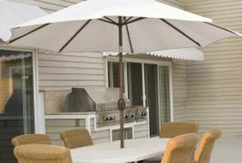 A center planter can add a decorative accent to any patio umbrella table.