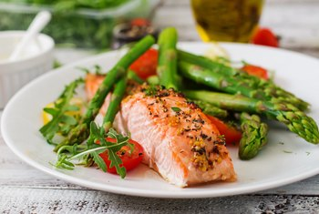 Broiled Salmon And Veggies Is A Healthy Meal For Weight Loss