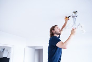 What Wires Go to What When Hooking Up a Light Fixture?