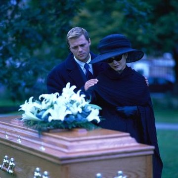 how to become a mortician in texas