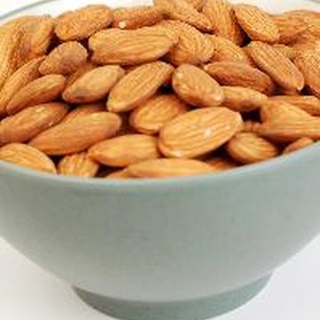 Raw almonds are higher in the B-complex vitamin thiamin than roasted almonds.