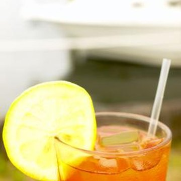 Unsweetened iced tea contains manganese and flavonols but no added sugar.