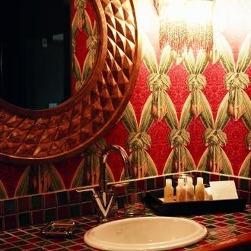 how to decorate a powder room with wallpaper & ideas for