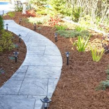 Use colored mulch to create contrast in your yard.