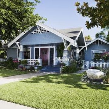 Craftsman-style homes can be found throughout the U.S., with slight variations due to local materials and architectural styles.