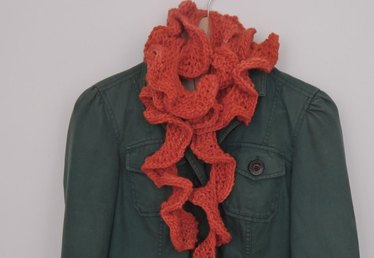 How to Knit a Ruffled Scarf