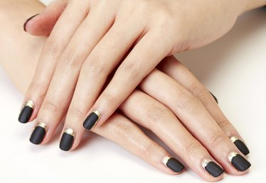 Nail This Party-Perfect New Year's Eve Manicure