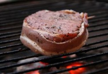 How to Cook Bacon-Wrapped Filet Mignon