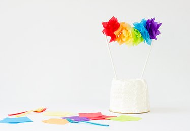 DIY Rainbow Garland Cake Topper