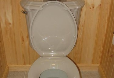 How to Clean Toilet Rings