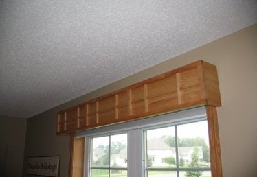 How to Hang a Valance Over a Vertical Blind