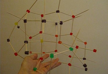 How to Build a Model of the Molecular Structure of Diamond