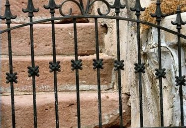 How to Clean Wrought Iron Railings