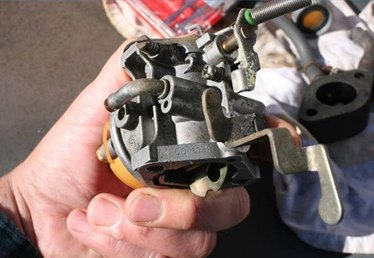 How to Clean the Carburetor on a Snow Blower