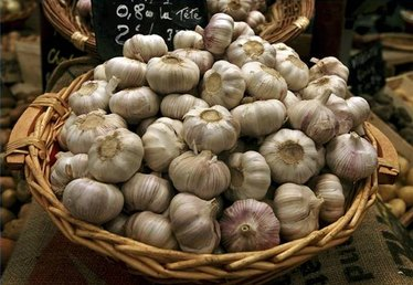 Symptoms of a Garlic Allergy