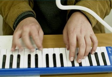 How to Learn the Melodica