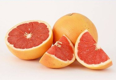 When to Remove Grapefruit From the Tree