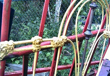 How to Repair Wrought Iron Beds
