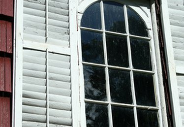 Composite Shutters Vs. Wood Shutters