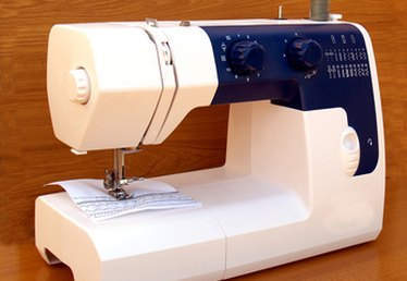 How to Use the Singer Self-Winding Bobbin