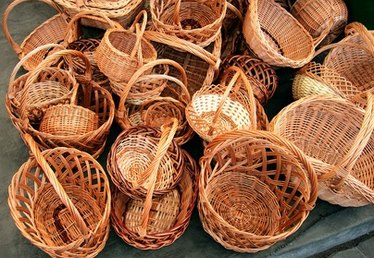 How to Make Wicker Crafts