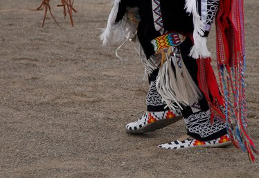 Cheyenne Indian Arts & Crafts Ideas