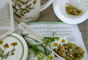 How to Make Homemade Herbal Packs