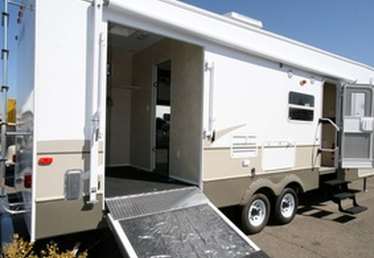 How to Convert a Travel Trailer Into an Office