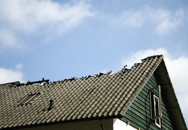 Does Home Insurance Cover a Roof?
