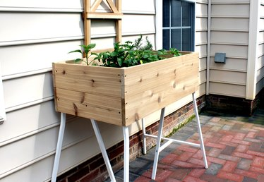 How to Build a Standing Planter Box for a Patio