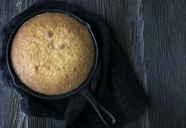 Cast Iron Skillet Cake Recipe You Need to Try