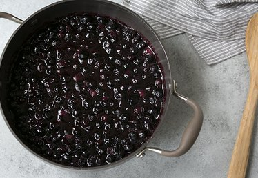 How to Make Homemade Blueberry Pie Filling