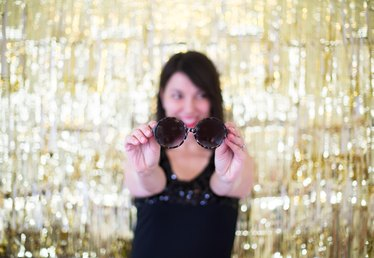 How to Create Your Own Gold Photo Backdrop