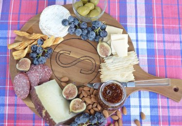 How to Make a Monogrammed Cheese Board