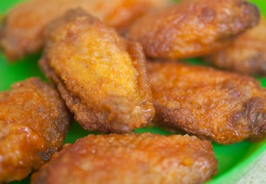 How to Reheat Buffalo Wings