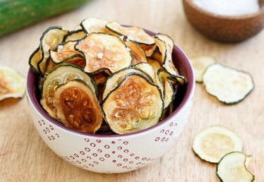 How to Make Zucchini Chips in the Oven